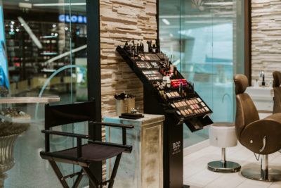 Make-Up Bar